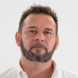 Riccardo - Sales Agent